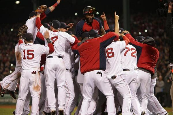 Photos: Wild celebration at Fenway Park after #RedSox' #WorldSeries win http://t.co/kEk12Ue7VO http://t.co/bb9fKP50Dm