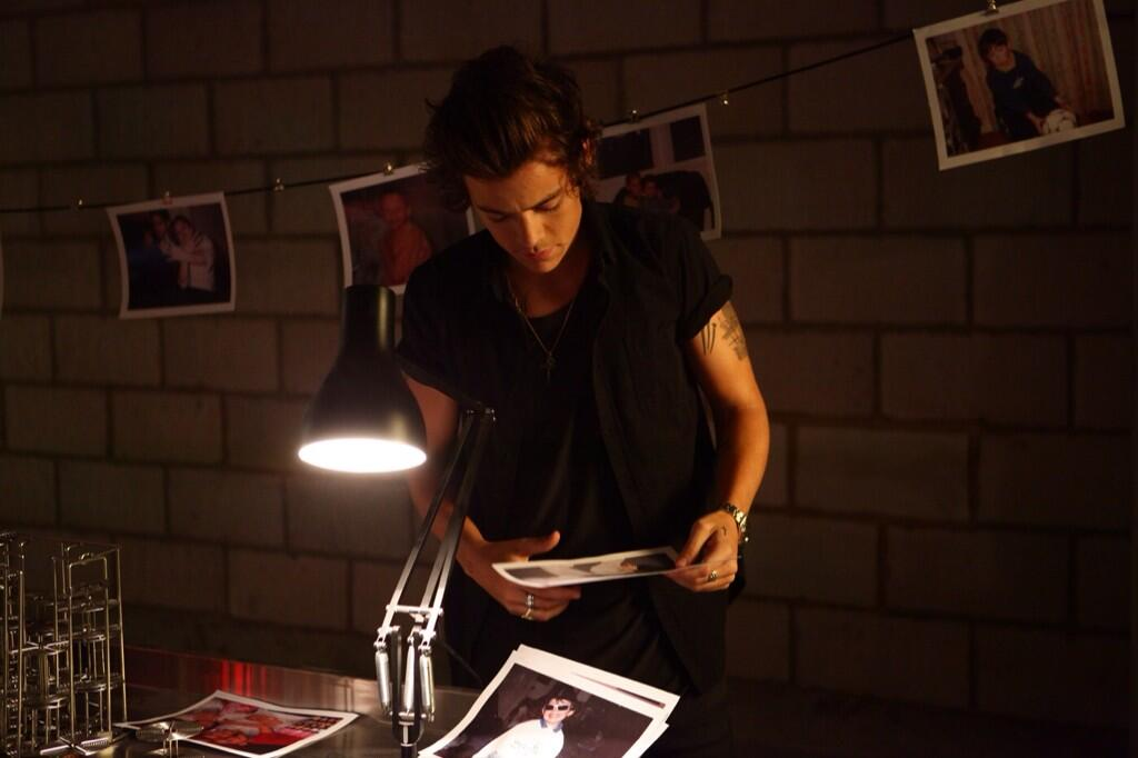 '@Harry_Styles: Can't wait for you guys to see the video.. http://t.co/k60UAUuxyc http://t.co/ofsBxYU2BX' LOVE.