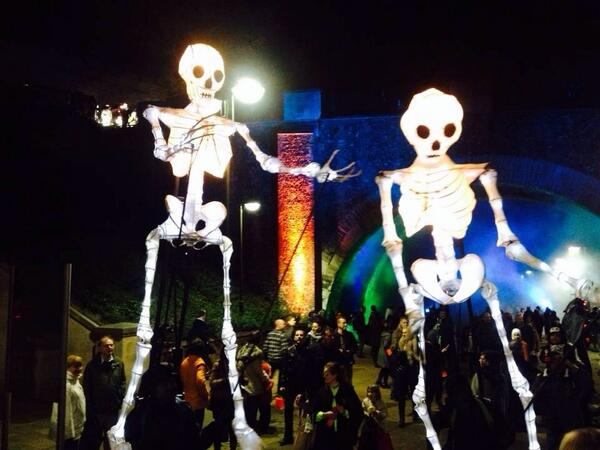 Giant Skeleton Puppets: Norwich Halloween #SpookyCity