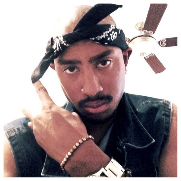 justin jackson on twitter prolly the best costume your gonna see this halloween 2pac httptco3qan8exllz