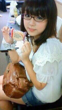 眼鏡っ娘の篠崎愛かわええ http://t.co/ggWth41XnC