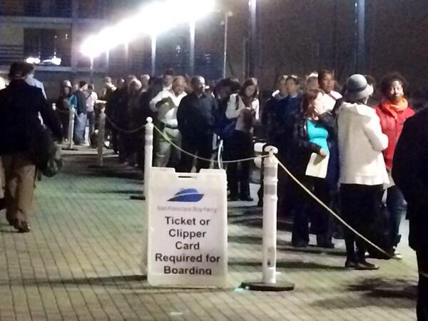 Wow. Line for 6am ferry out of Oakland just sprung up out of nowhere -- now stretches all the way across the plaza. http://twitter.com/BloomTV/status/392270406356566016/photo/1