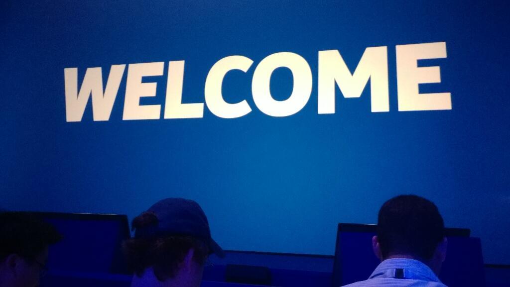 Twitter / MulikaMwizi_: Front row seat #NokiaWorld2013 ...