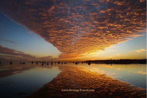 これは天の川じゃなくて雲の川ってとこかな。