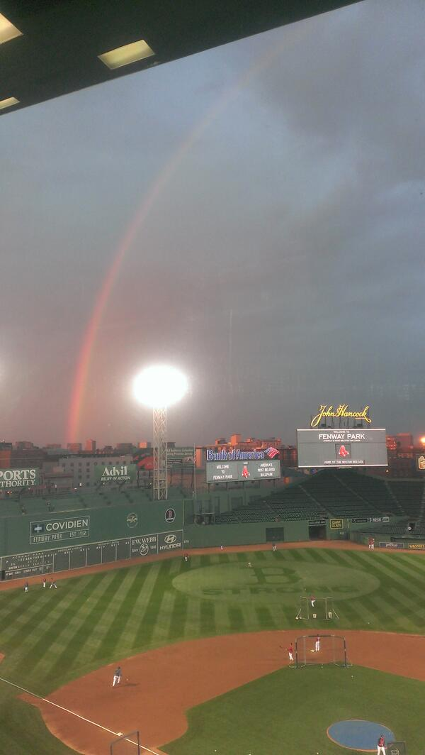 Rainbow over Fenway on the eve of the World Series. http://twitter.com/IanMBrowne/status/392768912057962496/photo/1