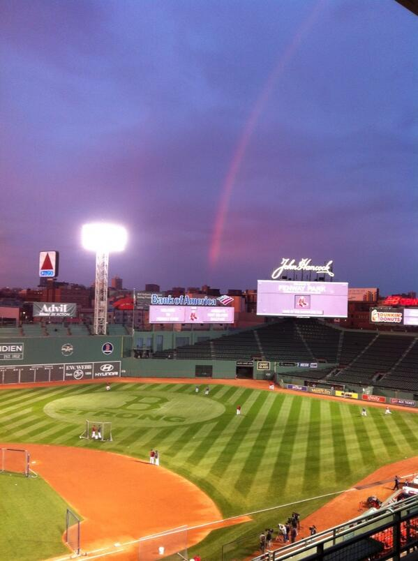 This has got to be a positive sign for the #redsox -a rainbow pointing to #bostonstrong at #fenway #wcvb http://twitter.com/MDowlingWCVB/status/392769946595233792/photo/1