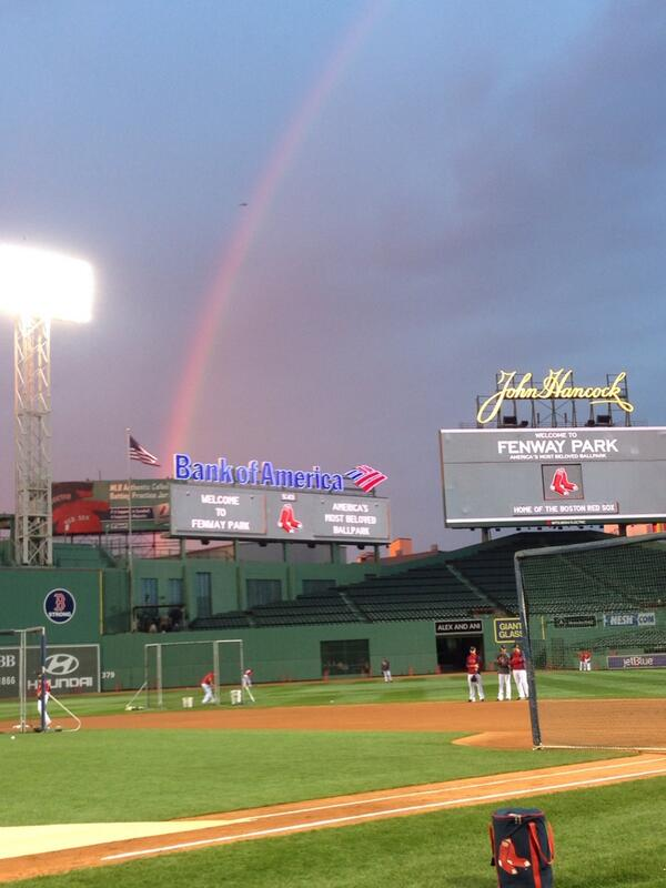 """@PabloAlsina: Rainbow at Fenway http://twitter.com/PabloAlsina/status/392782503418658817/photo/1""/#rainbow"