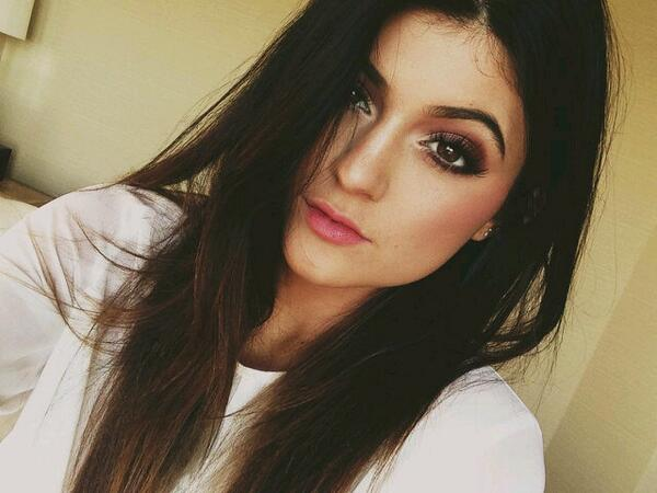 kylie can i have ur face http://t.co/q0yP09UT7Z