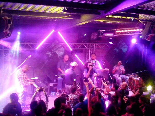 A esta hora recibimos a @NouVinLakay1 en la 2da Tarima de @LaQuintaBart...Reggae para rato!! #MesAniversario http://t.co/xb4iym2ePN