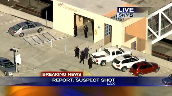 Live stream of LAX incident here:  http://t.co/H1SKPU2sR8 http://t.co/RrMXtwXM0M