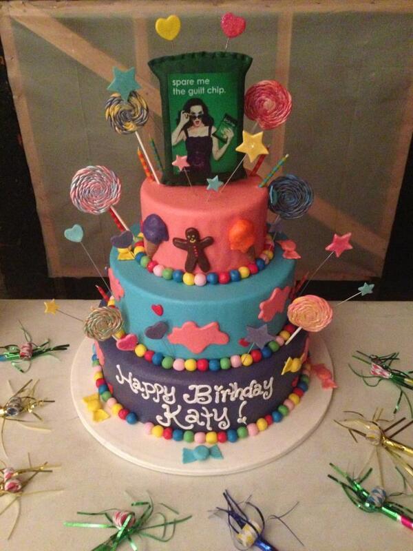 Katy Cats Birthday »  - Página 14 BXbYcgoCcAEuawL