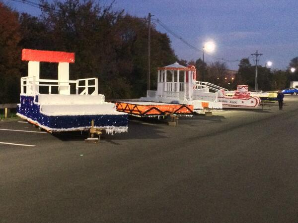 Let the float building begin!  @BridgeStateU @BSU_Alumni #BSUHomecoming2013 http://t.co/y9ONLV731U