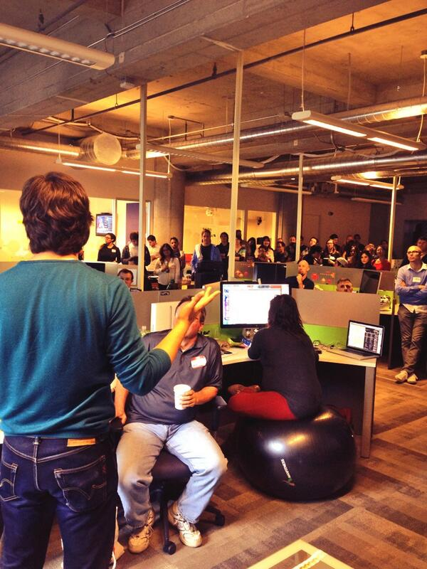 #sftechcrawl #innovatesf @jppereyra introducing @Globant http://t.co/PamTgdjyZ5