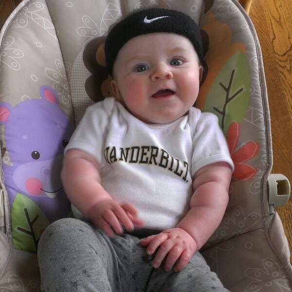 When daddy is in charge of Charlotte's wardrobe, this is what happens on #Vandy gameday #AnchorDown http://t.co/zCllPMyMCE
