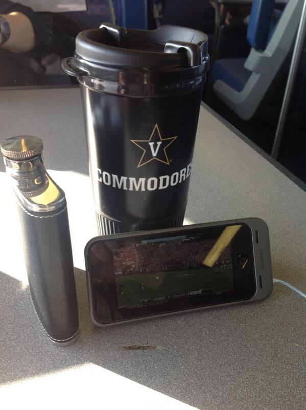 Capital Corridor train-gating #AnchorDown #WeAintWorriedBoutNothin http://t.co/n7Iw1IFthW