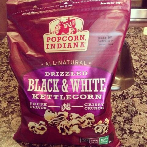 Popcorn Indiana Black & White Popcorn