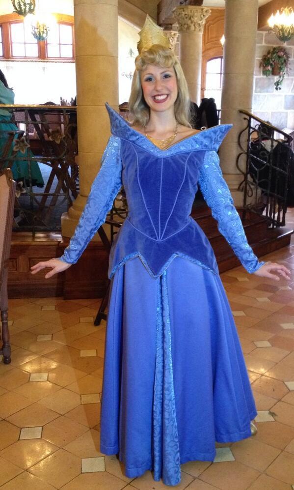 Disneycharacterguide on twitter we got to meet princess aurora in disneycharacterguide on twitter we got to meet princess aurora in her blue dress at disneyland paris cant believe were here m4hsunfo