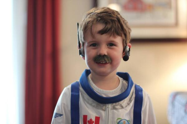 Four year old wanted to dress up as a super hero for Halloween. He chooses Chris Hadfield. @Evan_Hadfield  #space http://t.co/4J6bpNi8su