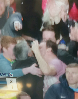 Jose Mourinho kissed by Chelsea fans after late Fernando Torres winner v Man City