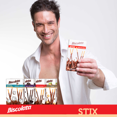 #DarkChocolate coated or covered with milk? Which one is your favorite #Biscolata #Stix? #Chocolate #Lebanon http://t.co/s7e6sTipn5