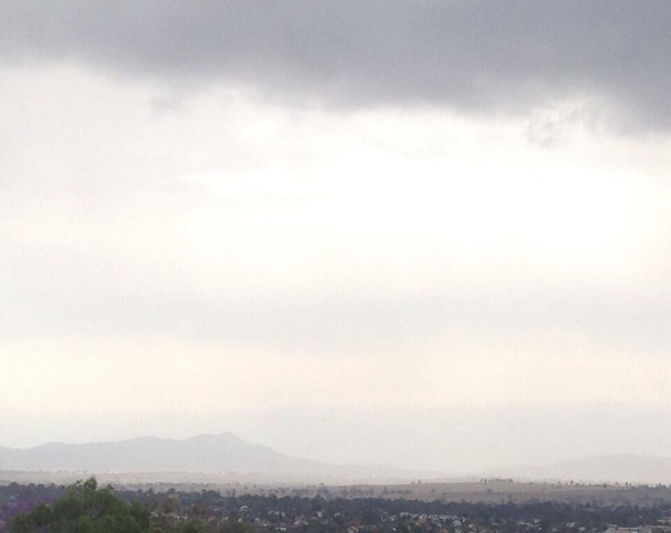Thunder rumbling over #Tamworth and static crackling the wireless!Storm heading our way http://t.co/MjQiInj8a8