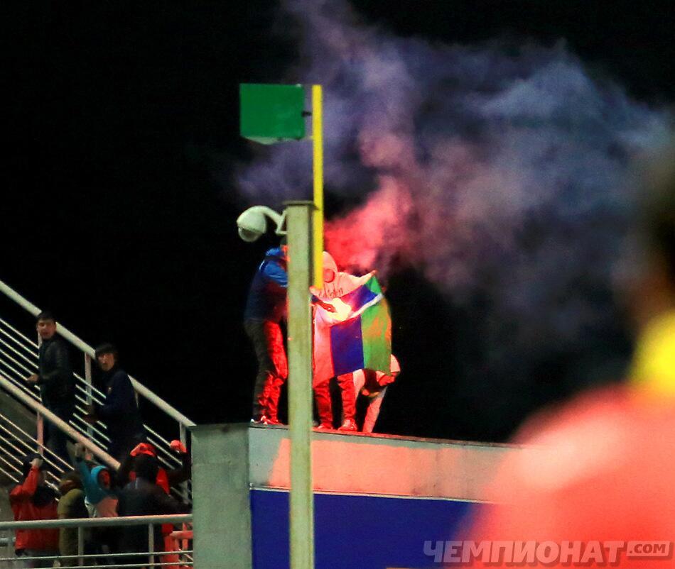 """""""Анжи"""" требует наказать тех, кто сжег флаг Дагестана на игре с """"Кубанью"""" (фото)"""