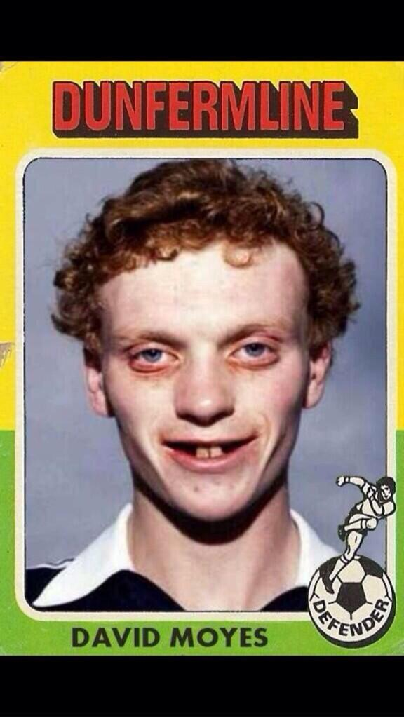 The old skool picture of David Moyes at Dunfermline doing the rounds is a Photoshop...