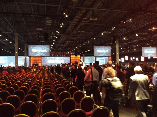 now that's a conference room #aws #reinvent http://t.co/VqnDPRWRgj