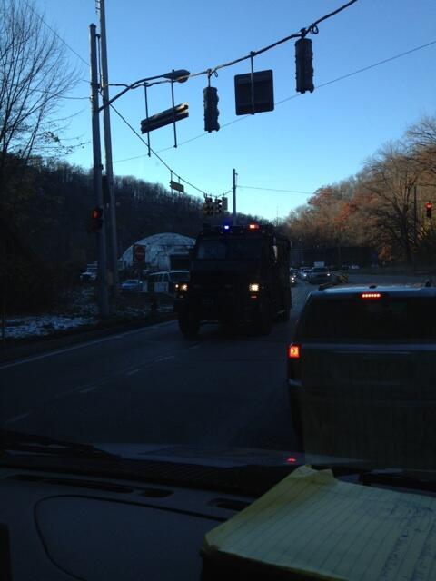 Breaking: SWAT team coming into shooting scene near Brashear High School. #wpxi http://t.co/1Se0Vttzj5