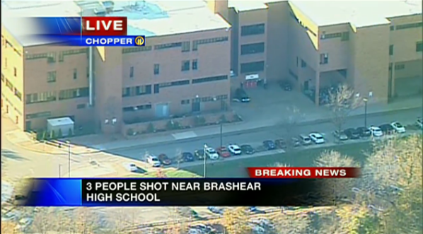WPXI is reporting 3 people shot at Brashear High School. The shooter reportedly not in custody http://t.co/vAVA5sTIfq http://t.co/7bPvSJEOZq