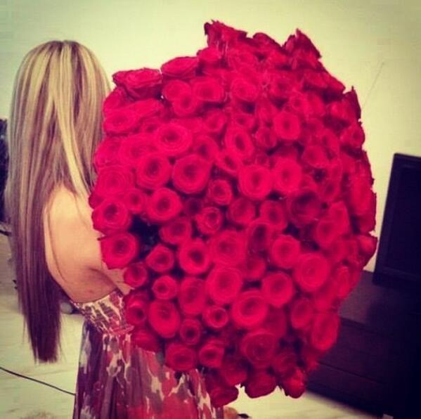 "Post Bad Wedding on Twitter: ""Bouquet de rose rouge. http://t.co ..."
