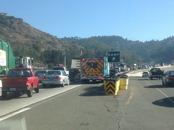 Traffic so heavy heading to the #caldecott tunnel that an Ambulance is stuck in traffic. Because of car #fire @KTVU http://t.co/8bRWUYiWcx