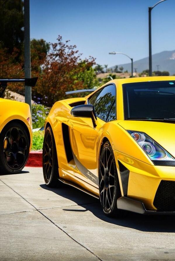 Extremely Cars On Twitter Ese Amarillo Tipico Lamborghini