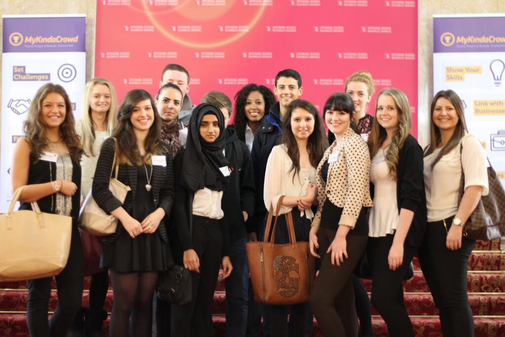 Twitter / DPMoffice: Photo: students ready to be ...