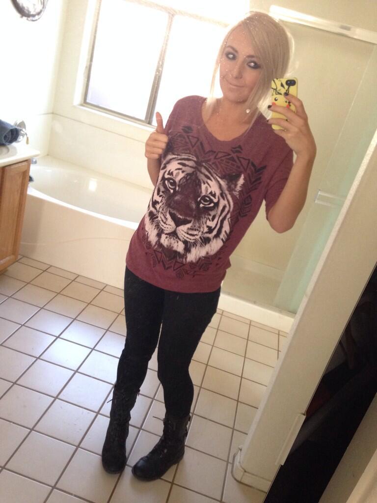 "Jessica Nigri on Twitter: ""No push up bra! @tefo95 http ..."