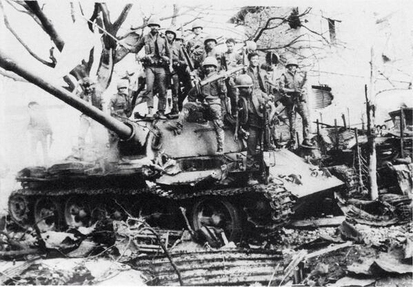 Vietnam War 1954-1975 BYUMdbBIQAE6luU