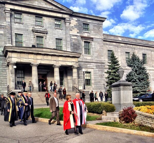 The procession is leaving the Arts Building and making their way over to Redpath Hall #mcgillinstallation http://t.co/nlp0hvxVm2