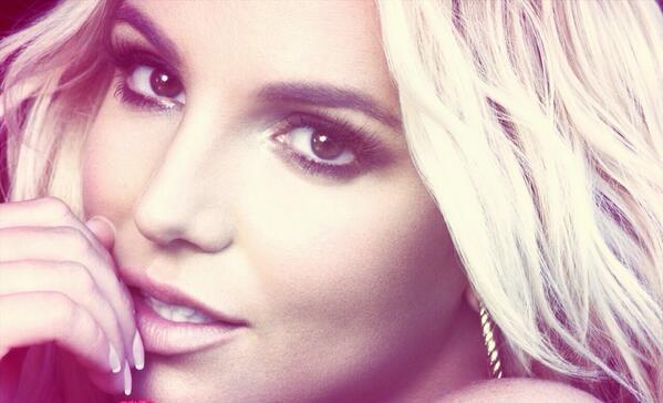 Britney Spears #femaleartist #PeoplesChoice http://t.co/emcu59Bxuk