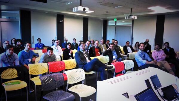 @Google charlando con emprendedores premiados por #lacaixa. Genial ver tanto espíritu innovador y hambre intelectual http://t.co/1HQoDDLKXB