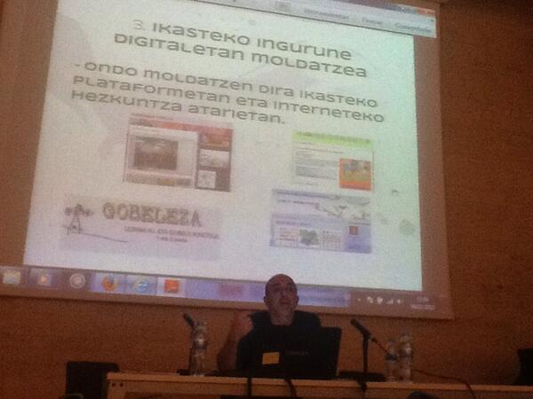 #27BdoJardunaldi  Barakaldoko Jardunaldietan konpetentzia digitalari buruz entzuten http://t.co/xKzUMCCWwn