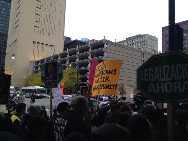 #Chicago, at #Immigration Customs Enforcement (ICE) HQ, activists demand end deportations! #p2 #TimeIsNow http://t.co/W0EEniFzws