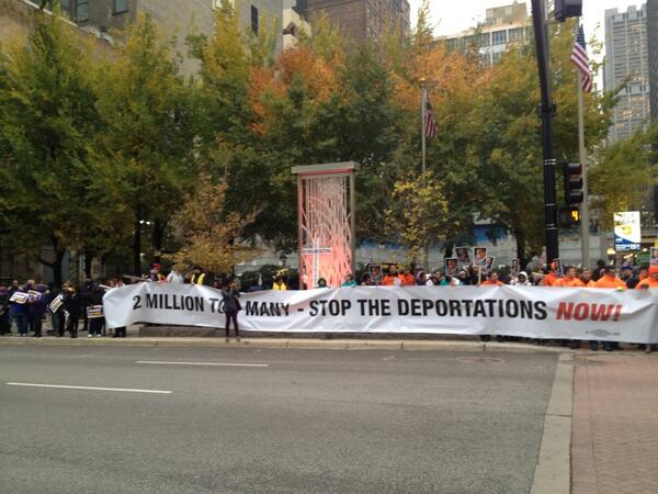 #Chicago, #Immigration Customs & Enforcement HQ rally to @speakerboehner, families deserve a vote! #p2 #SEIU http://t.co/gnAXJXT3k7