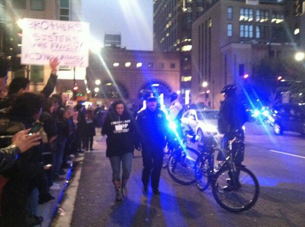 More than 100 #ImmigrationReform protesters arrested in #Chicago #immigration #deportations http://t.co/77iZ0osQam