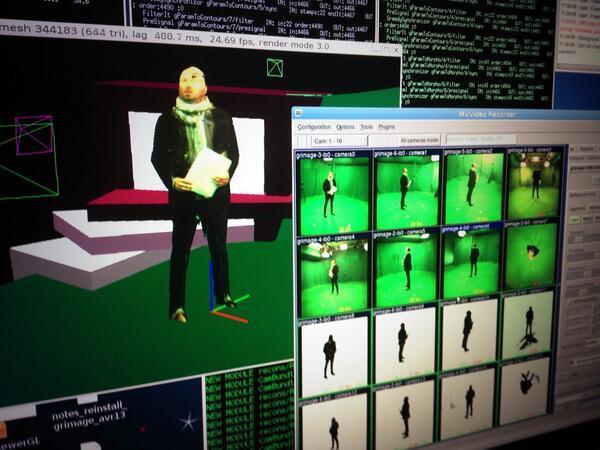 Yeah ! @LudovicMaggioni dans la salle verte à la place de la danseuse ! #ICT2013eu poke @LaurentChic http://twitter.com/Fuzzyraptor/status/398417718518366209/photo/1