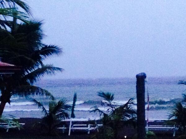PHOTO: Strong winds, waves and rain in Camiguin as #YolandaPH batters PHL http://t.co/bYGfZC4dAy | via @chonacarreon