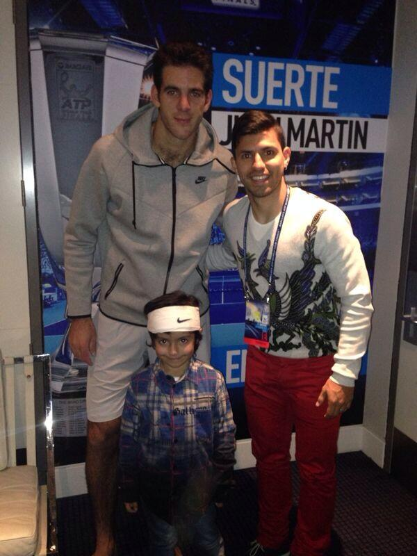 Miren quien se quedo con la vincha de J.M Gracias papa! Look who got to keep the headband of @delpotrojuan Thanks http://t.co/Ry2CeA4huy