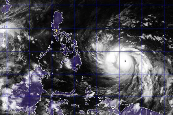 Look at this monster. The size of it. That's about 2/3 of our country. #PrayForThePhilippines #Haiyan http://t.co/gObl0phszM