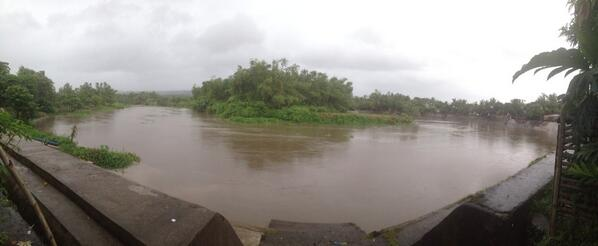 PDRRMC-CamSur Bicol River slow rise based from the 6 water level station. Camaligan station 3m distance in riverbank http://t.co/dunVRZuVEZ