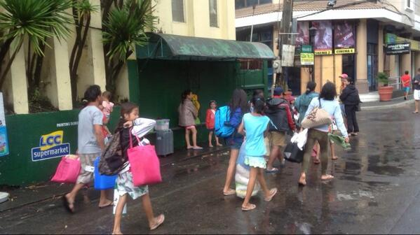 PHOTO: Albay PDRRMC gives the go signal for evacuees to return to their homes. | via @johnsonmanabat http://t.co/mRg0dC5Jml