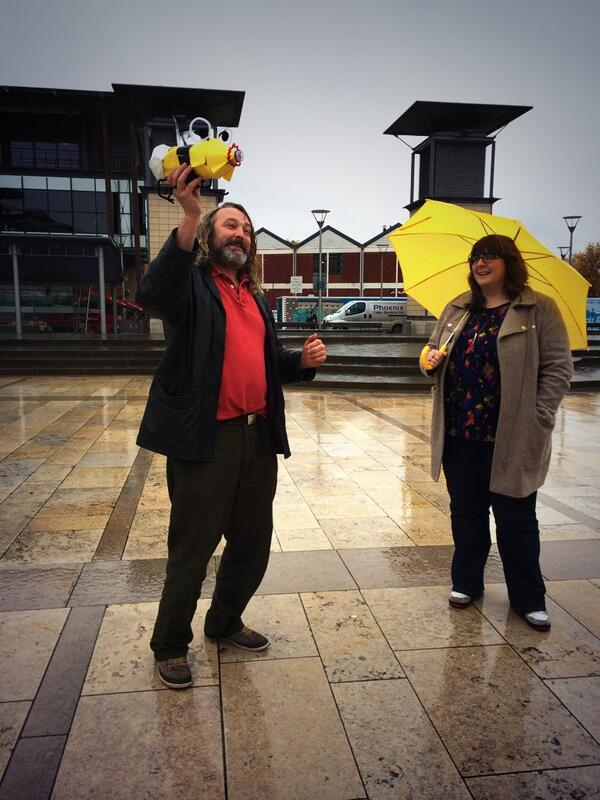 Sheer joy with @TomNofitstate  #Happbee #digiproducers http://t.co/PPNTAEzGXP